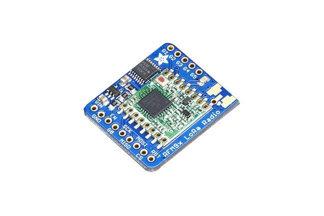 A product image for Carte d'émetteur-récepteur LoRa Adafruit 433 MHz