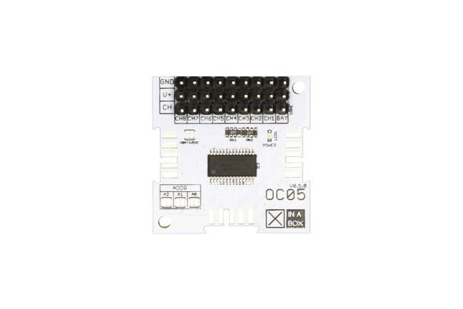 A product image for Module servo XinaBox OC05 pour contrôle mouvem.et position
