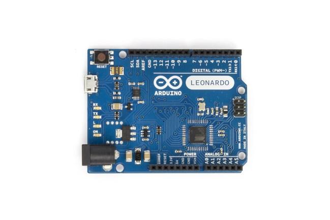 A product image for Arduino Leonardo con header