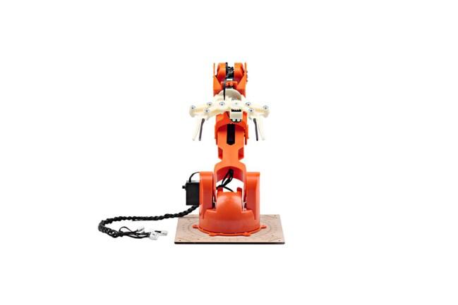 A product image for Tinkerkit Braccio Arduino Braccio robotico