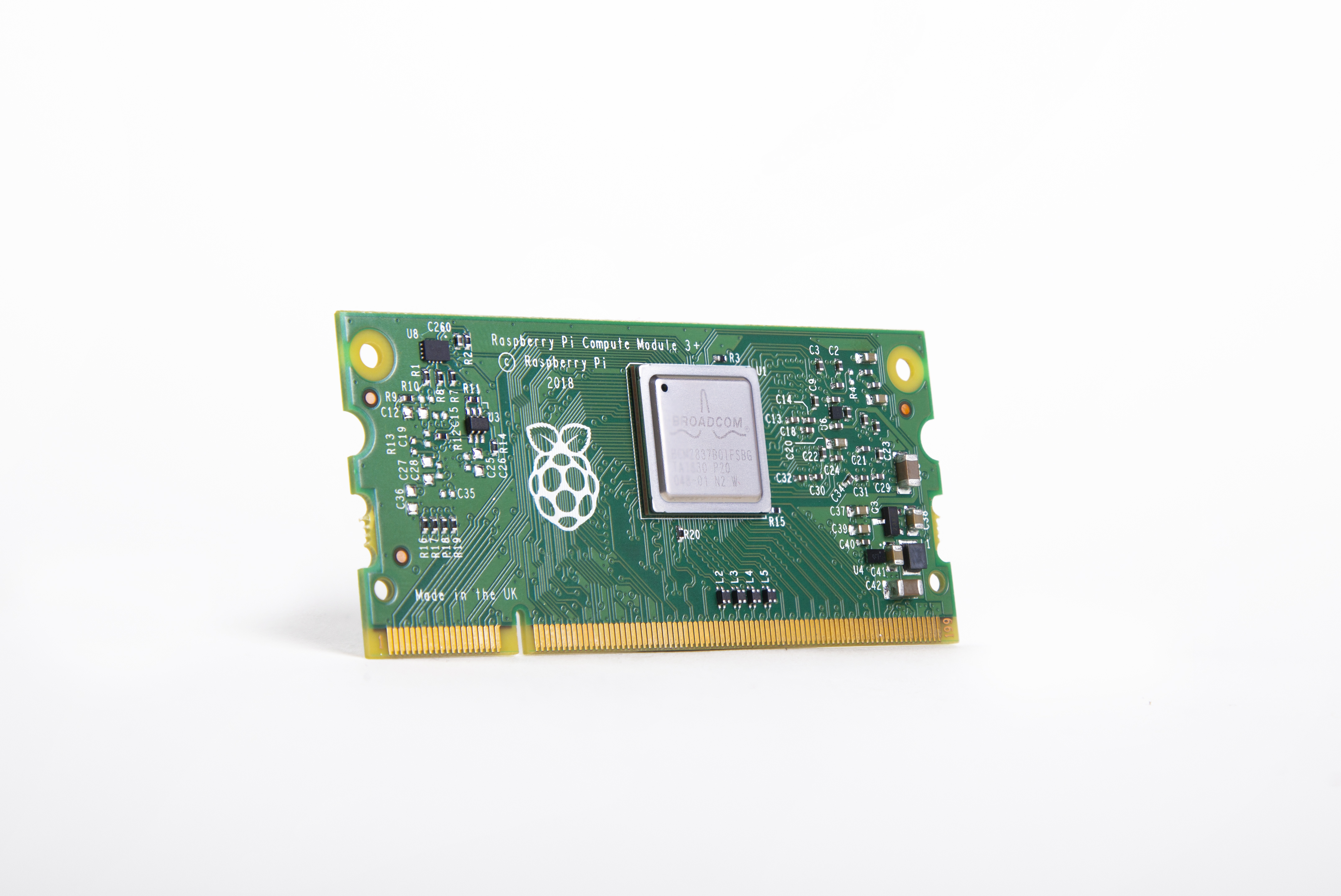 Raspberry Pi(ラズベリーパイ)コンピュートモジュール3 + 32GB