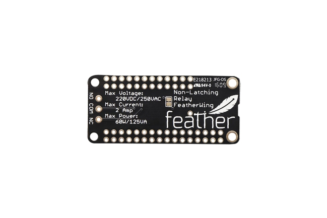 A product image for FeatherWing ミニ リレーボード(ラッチなし)