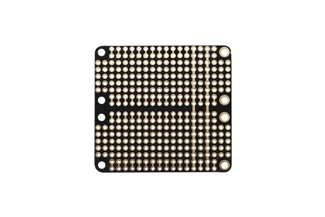 A product image for FeatherWing Doubler – prototypeontwikkelingskaart